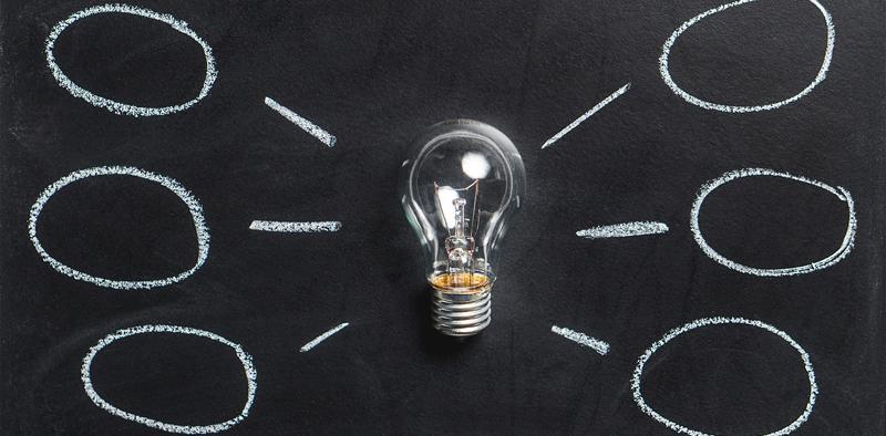 Symbolbild einer Mindmap mit Glühbirne